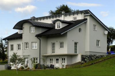 TONDACH® Tangó+ kerámia tetőcserép engóbozott antracit színben - tető ötlet, modern stílusban