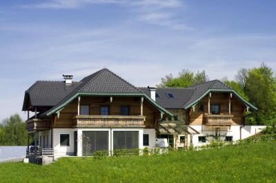 TONDACH® Rumba kerámia tetőcserép engóbozott antracit színben - tető ötlet, rusztikus stílusban