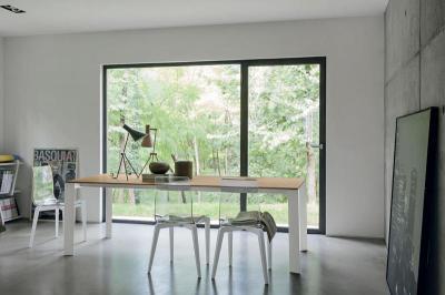 Saturno kihúzható étkezőasztal - nappali ötlet, modern stílusban