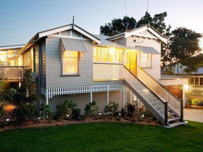 Különböző formák és alakzatok a háztetőn2 - homlokzat ötlet