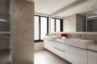 Minimál fürdőszoba fehérben - fürdő / WC ötlet, minimál stílusban