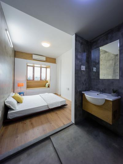 Kis lakás háló- és fürdőszobája - háló ötlet, modern stílusban