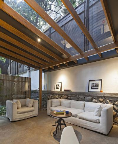Árnyas terasz kanapéval - erkély / terasz ötlet, modern stílusban