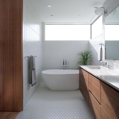 Barna és fehér színek a fürdőben - fürdő / WC ötlet, modern stílusban