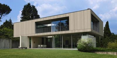 Modern lakóház Lambda Trespa Meteon speciális homlokzatburkolattal - homlokzat ötlet, modern stílusban