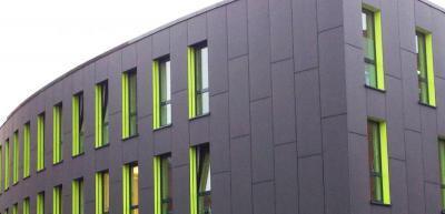 Modern épület Lambda Trespa Meteon speciális homlokzatburkolattal - homlokzat ötlet, modern stílusban