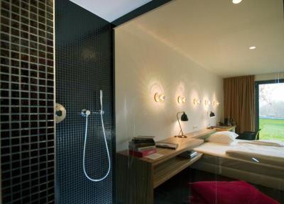 Fürdőszoba és háló Lambda Wedi építőlemezzel - háló ötlet, modern stílusban