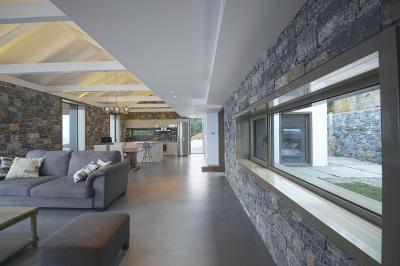 Téglalap alakú nappali konyhával - nappali ötlet, modern stílusban