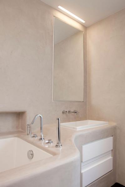 Épített bútor a fürdőszobában - fürdő / WC ötlet, modern stílusban