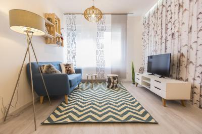 Chevron mintás szőnyeg a nappaliban - nappali ötlet, modern stílusban
