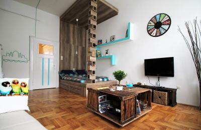 Egyedi ágymegoldás a nappaliban - nappali ötlet, modern stílusban