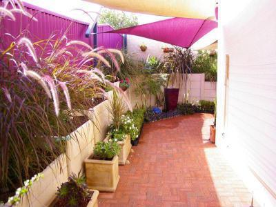 Kerítés a ház körül13 - kert / udvar ötlet, modern stílusban
