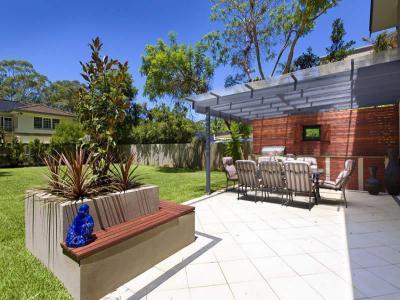 Kerítés a ház körül30 - kert / udvar ötlet, modern stílusban