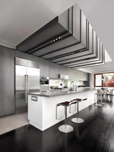 Szürke fehér konyha - konyha / étkező ötlet, modern stílusban