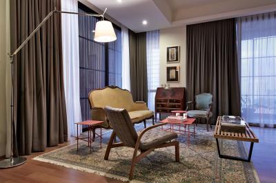 Modern és klasszikus bútorok a nappaliban - nappali ötlet, eklektikus stílusban