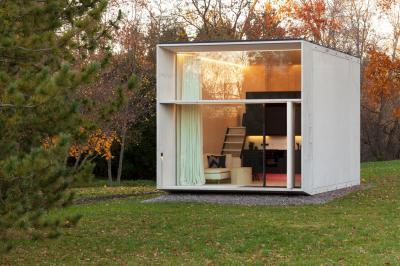 Nyaraló sok üvegfelülettel - homlokzat ötlet, modern stílusban