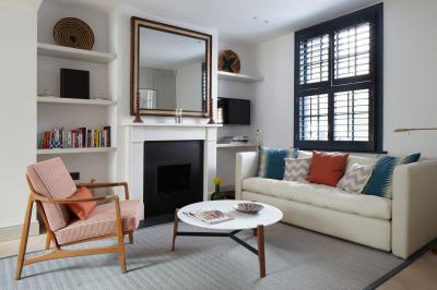 Klasszikus belső modern bútorokkal - nappali ötlet