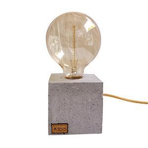 Kocka betonlámpa Edison izzóval - nappali ötlet