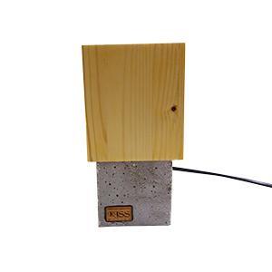 Fa-beton asztali lámpa