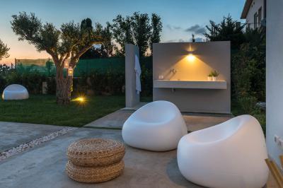 Fürdőszoba a teraszon - erkély / terasz ötlet, modern stílusban