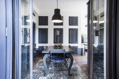 Szőnyegszerű cementlap burkolat - konyha / étkező ötlet, modern stílusban