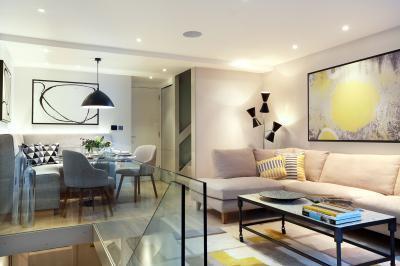 Nappali a galérián - nappali ötlet, modern stílusban