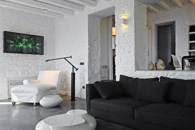 Régies belső modern bútorokkal - nappali ötlet