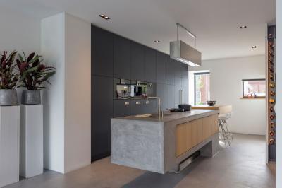 Beton konyhapult és design lámpa - konyha / étkező ötlet, modern stílusban