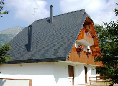 Premium Téglány bazaltzúzalékos tetőzsindely - tető ötlet, rusztikus stílusban