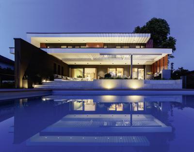 Csupa ablak homolokzat - homlokzat ötlet, modern stílusban