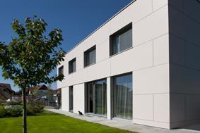 Minimál homlokzat nagy ablakokkal - homlokzat ötlet, modern stílusban