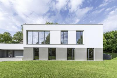 Nagyméretű ablakok a homlokzaton - homlokzat ötlet, modern stílusban