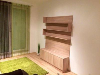 Sonoma világos tölgy bútorlapos médiafal. - nappali ötlet, modern stílusban
