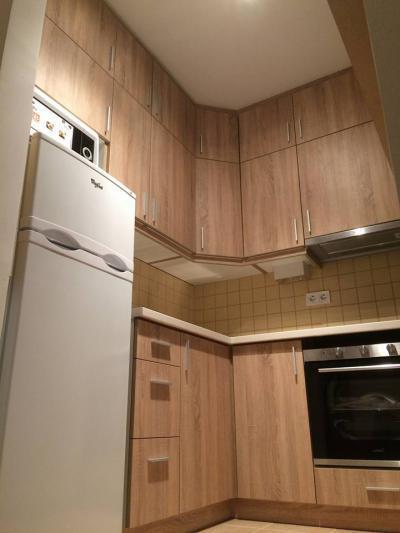 Sonoma világos tölgy bútorlapos konyhabútor a teljes helykihasználtság jegyében. - konyha / étkező ötlet, modern stílusban