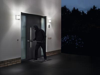 Betörésnek ellenálló bejárati ajtó - bejárat ötlet, modern stílusban