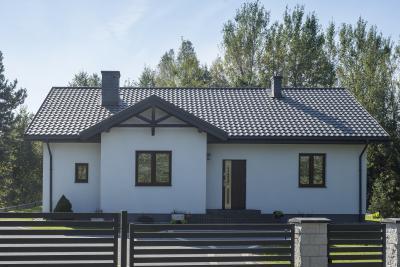 Cserepeslemez tetőfedés a lakóházon - tető ötlet, klasszikus stílusban