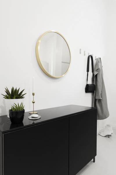 Fekete kis szekrény az előszobában - előszoba ötlet, modern stílusban