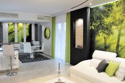 Üde zöld színek a nappaliban - nappali ötlet, modern stílusban