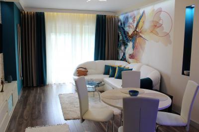 Három színre hangolt nappali - nappali ötlet, modern stílusban