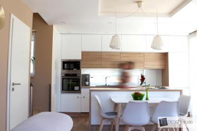 Álmennyezet a konyhában - konyha / étkező ötlet, modern stílusban