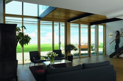 Üvegajtókkal a teraszra - nappali ötlet, modern stílusban