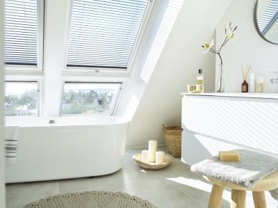 Természetes fény tetőtéri ablakokkal - tetőtér ötlet, modern stílusban