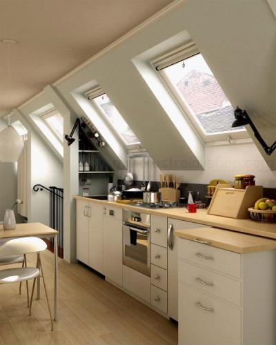 Konyha a tetőtérben - tetőtér ötlet, klasszikus stílusban