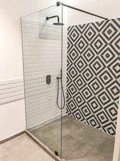 Walk-in - fürdő / WC ötlet, modern stílusban
