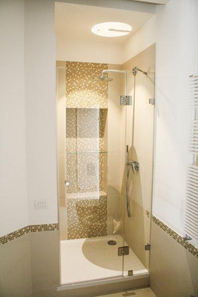1 fix 1 nyíló - fürdő / WC ötlet, modern stílusban
