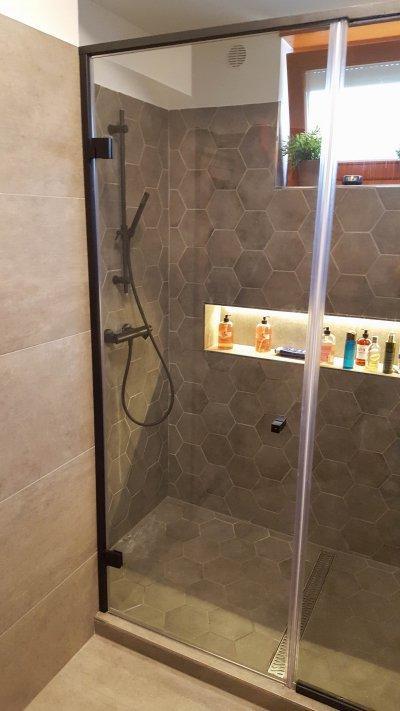 Dupla üveg zuhanyfülke - Fekete keretben - fürdő / WC ötlet