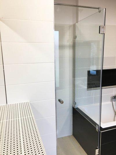 Kádra ültetett zuhanykabin - fürdő / WC ötlet, modern stílusban
