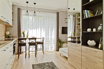 Péceli kis lakás1 - konyha / étkező ötlet, modern stílusban