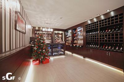 Csokoládébolt eladótér2 - belső továbbiak ötlet, modern stílusban
