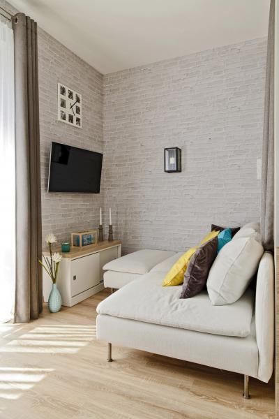 Péceli kis lakás8 - nappali ötlet, modern stílusban